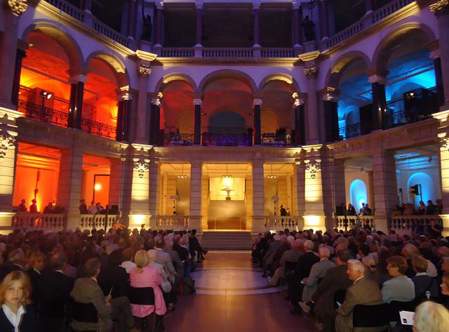 Blaue Mauritius in Berlin: Ausstellungsgeröffnung im Museum für Kommunikation